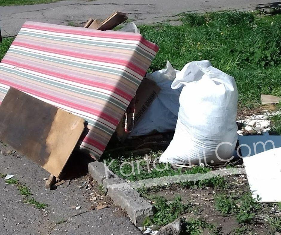 Изнасяне и изхвърляне на матрак от апартамент